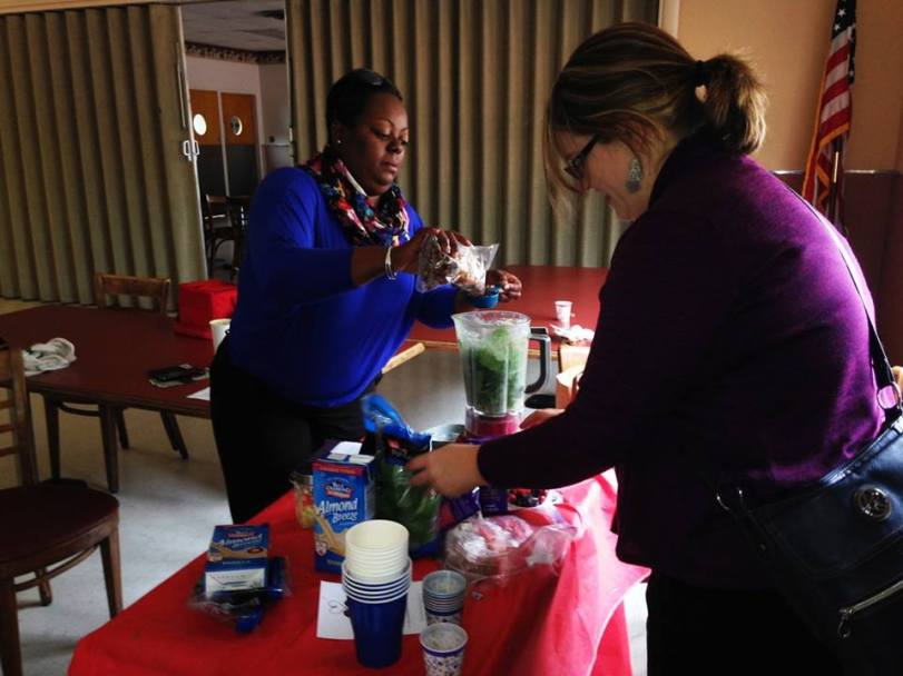 Shamon and Laura -- 2 star wellness chamions -- manning the blender for this delicious treat!