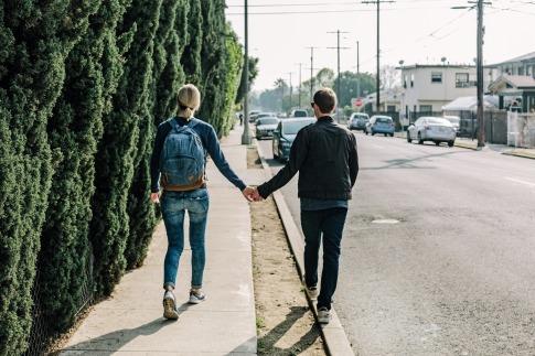 couple-1210023_1920